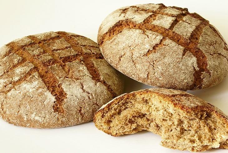 jedz chleb ichudnij