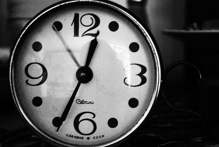 jak przetrwać sesję jak niespać wnocy