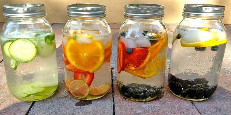domowa woda owocowa zamiast wody nadiecie