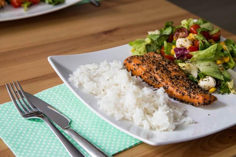 łosoś pieczony dietetyczna fit kolacja