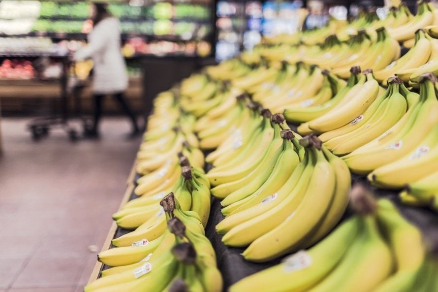 fruits-grocery-bananas-market-large