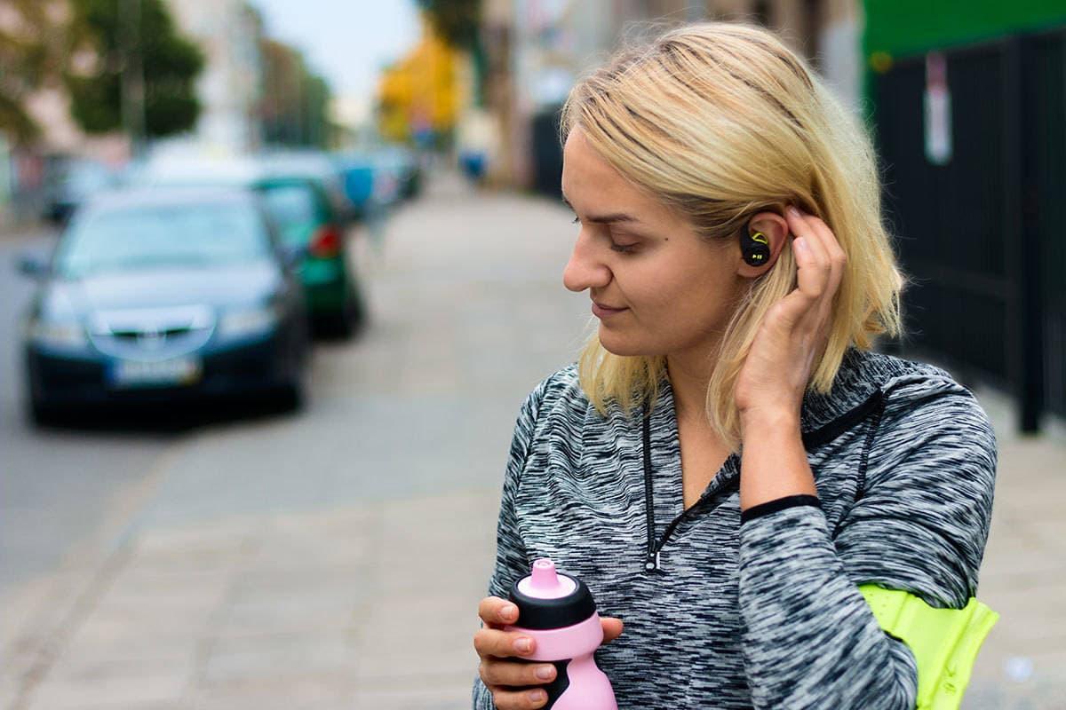 sluchawki do biegania plantronics backbeat