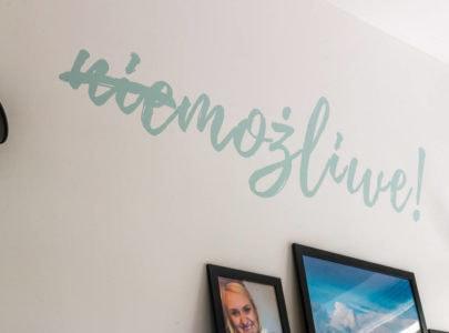 Nowe mieszkanie iróżowe jednorożce skaczące potęczy miłości