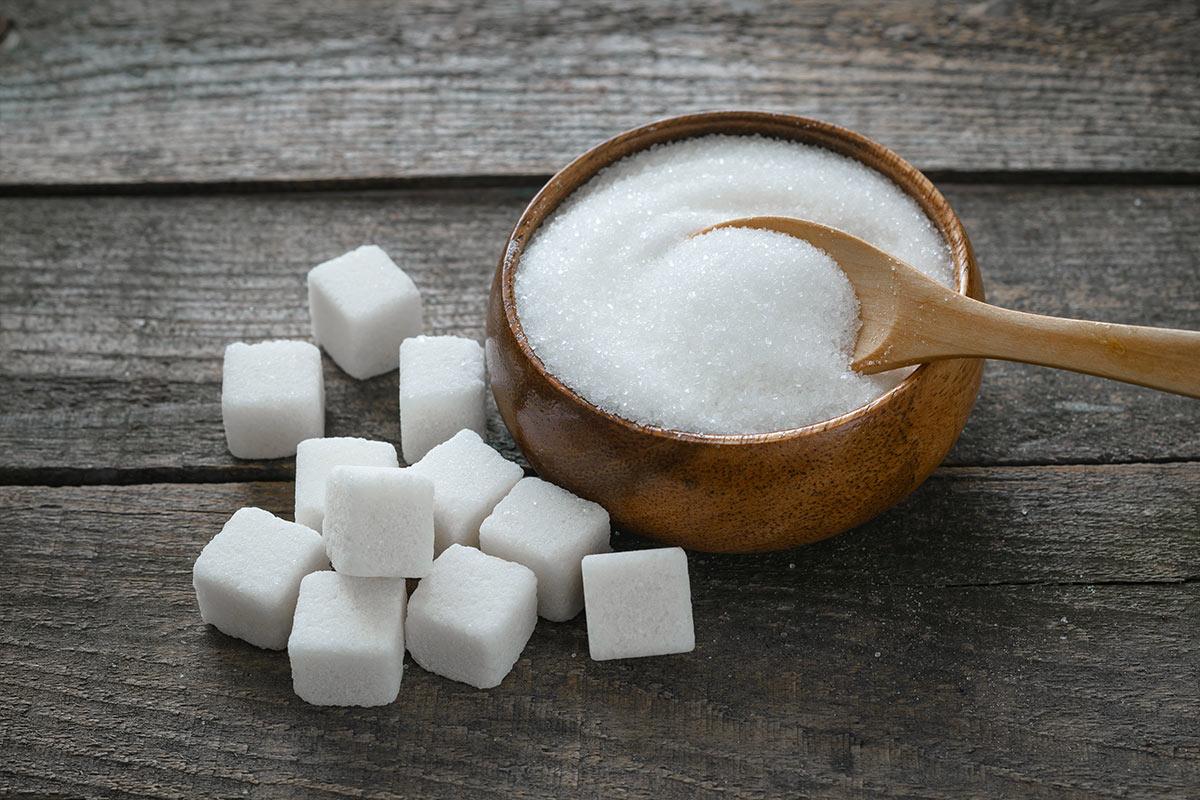 cukierniczka wypełniona cukrem